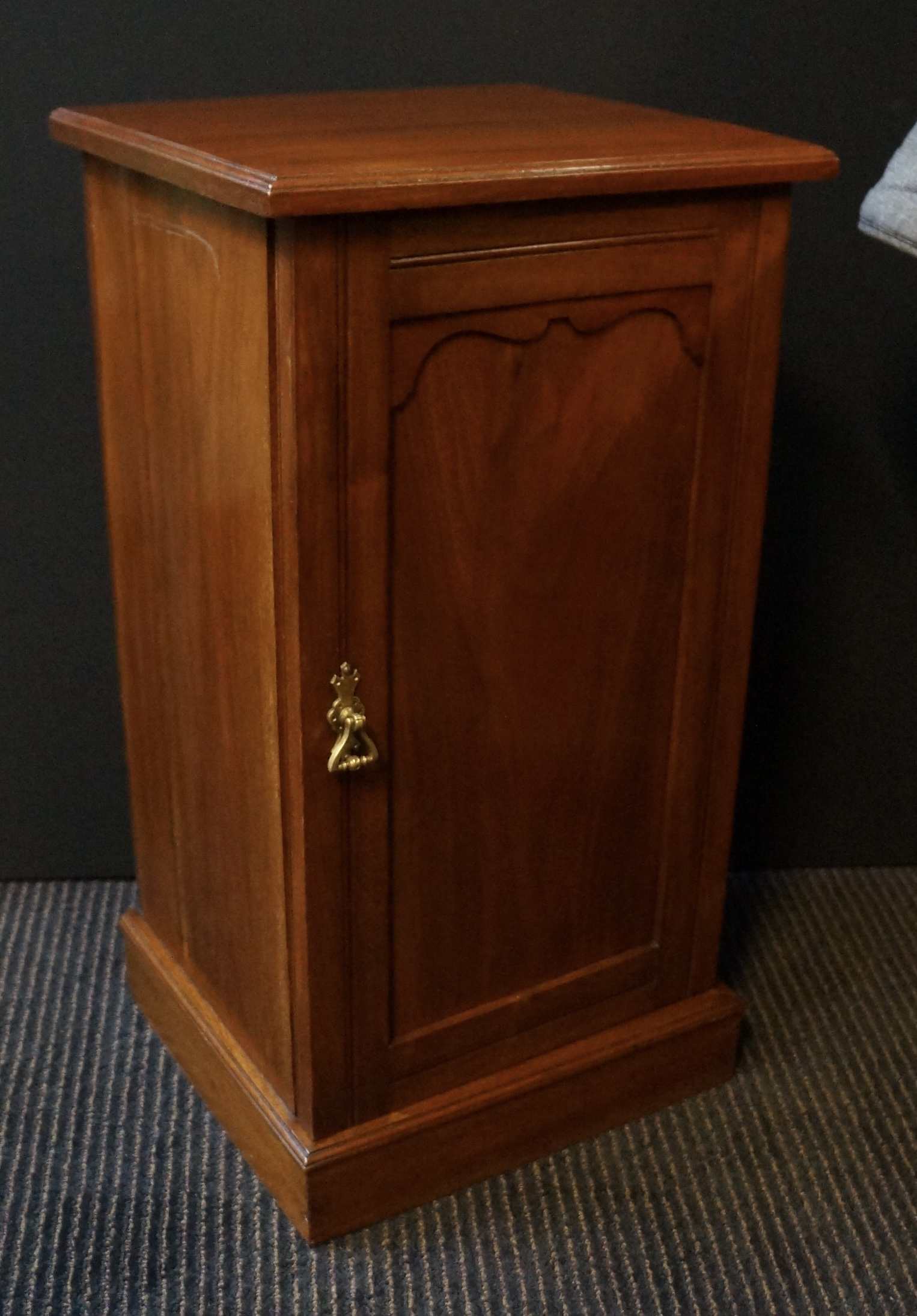 official photos 14cf8 5efc0 LATE VICTORIAN BEDSIDE CABINET